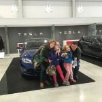 Familie en Tesla